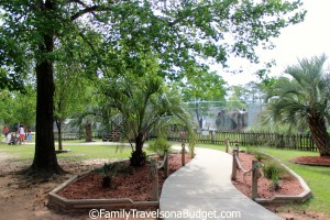 Alabama Gulf Coast Zoo's wide walkways make the zoo wheelchair and stroller friendly.
