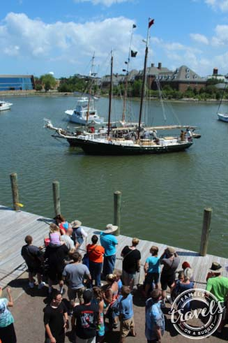 Blackbeard Pirate Festival in Hampton, VA ~ The battle ensues
