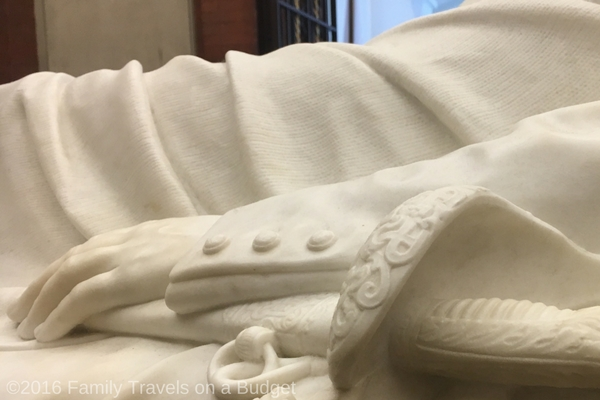 Can you see the texture carved into the marble blanket?