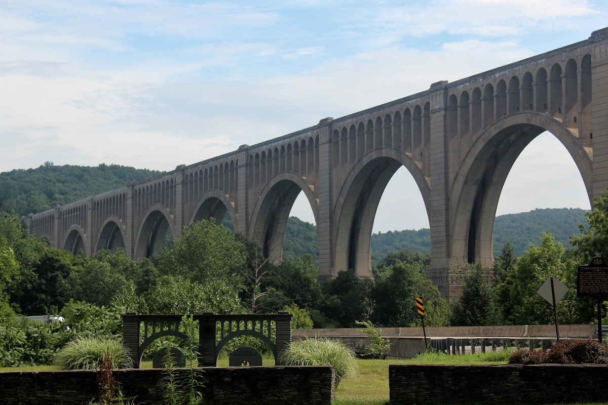 Tunkhannock Creek Viaduct from scenic pullover on Route 11